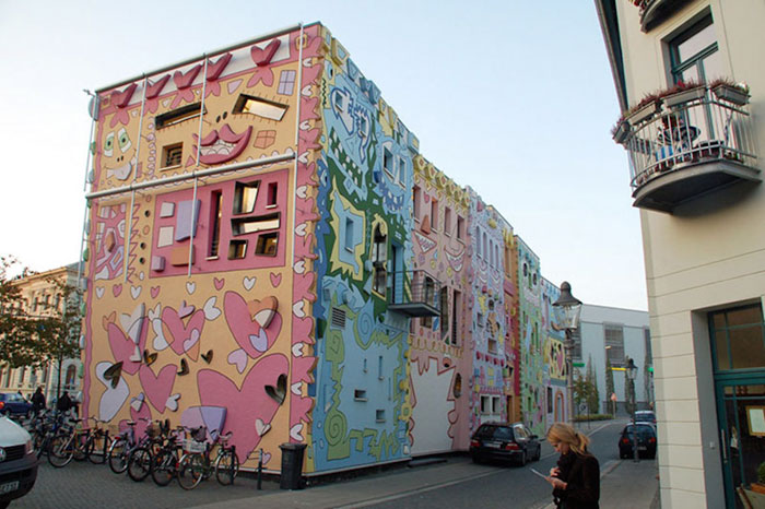 colorful-psychedelic-cartoon-buildings-james-rizzi-germany-4-2
