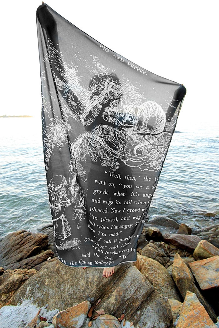 cover-text-art-book-lover-scarf-freshcomfy-pimolpan-thailand-23