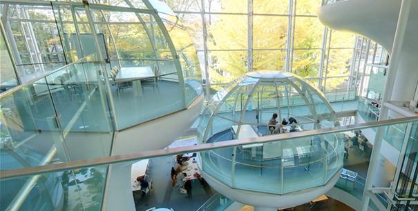 glass-class-futuristic-library-seikei-university-tokyo-9