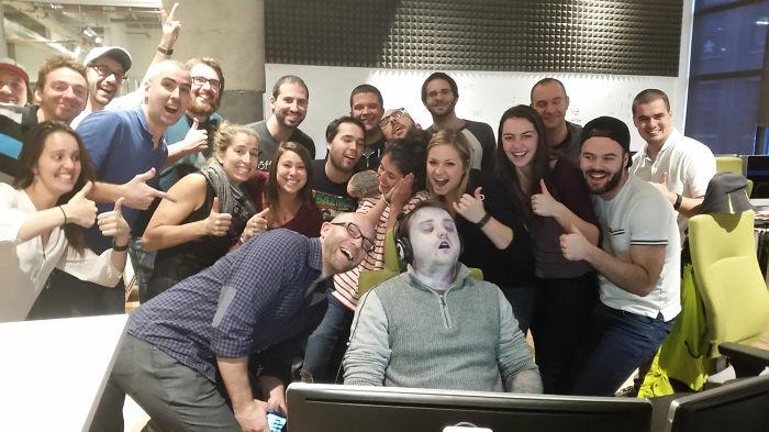guy-sleep-at-work-sleeping-office-prank-photoshop-theorangeduke-6