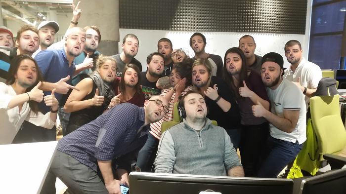 guy-sleep-at-work-sleeping-office-prank-photoshop-theorangeduke-7