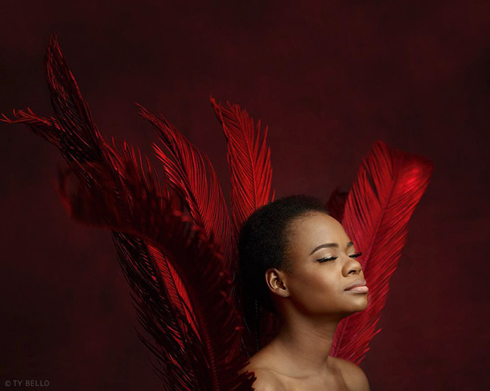 nigerian-bread-seller-modeling-contract-photobomb-olajumoke-orisaguna-8