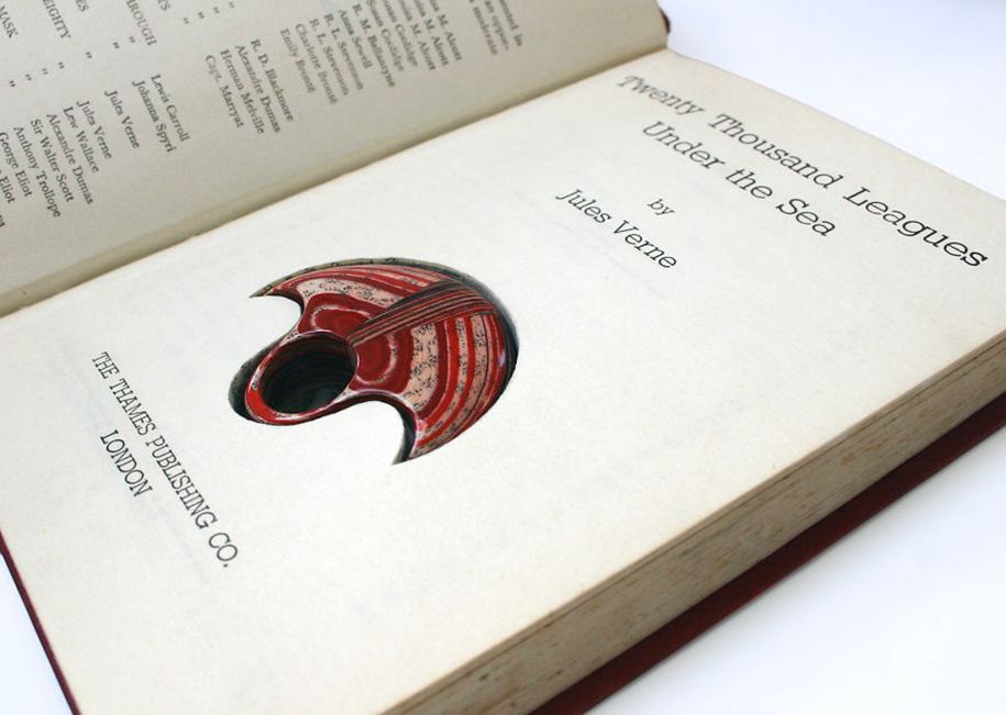 ewelry-made-of-vintage-books-london-jeremy-may13