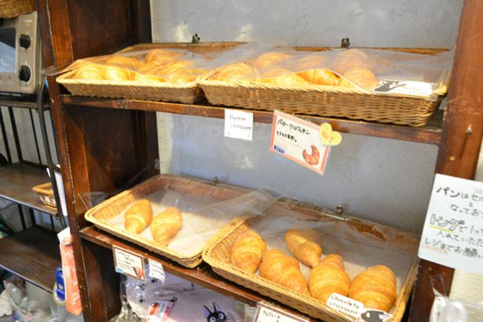 kiki-ghibli-anime-bakery-yufuin-floral-village-japan-3