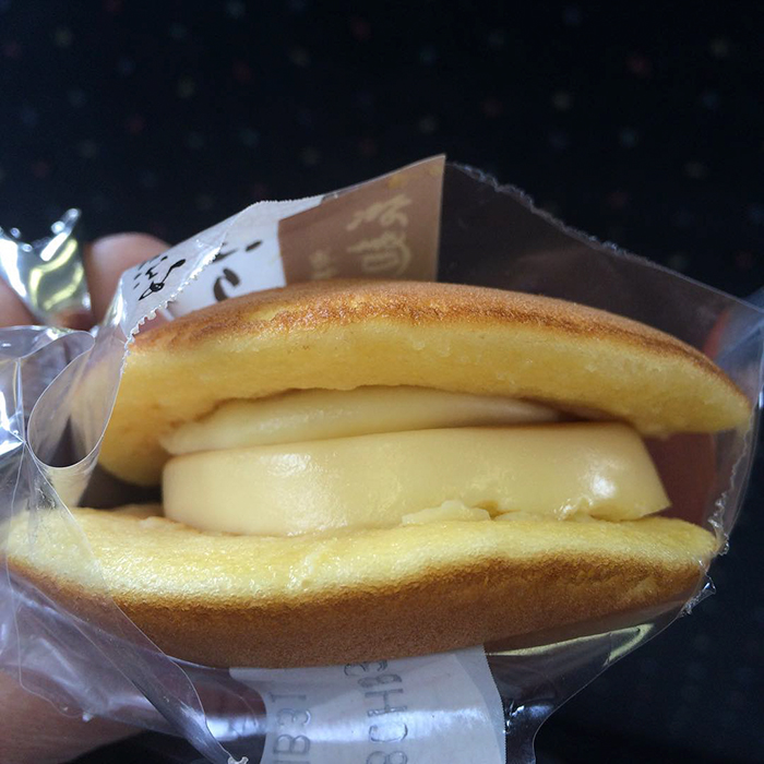 kiki-ghibli-anime-bakery-yufuin-floral-village-japan-4