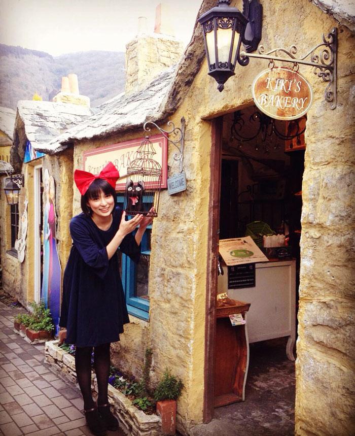 kiki-ghibli-anime-bakery-yufuin-floral-village-japan-8