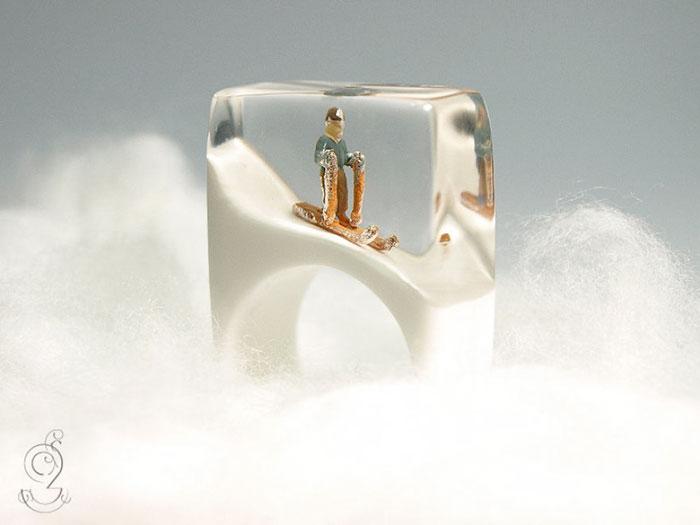 miniature-worlds-inside-jewelry-isabell-kiefhaber-germany-1