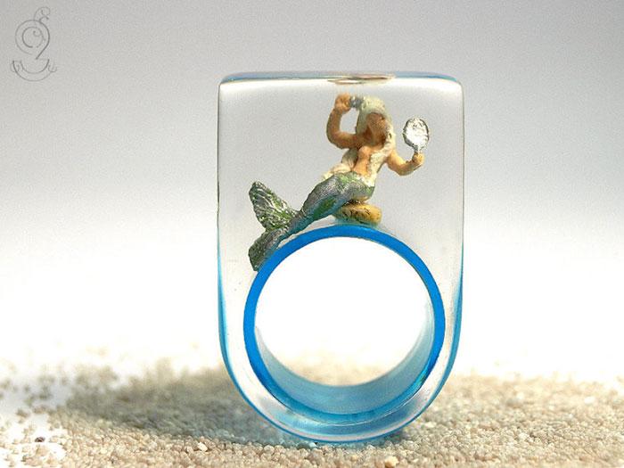 miniature-worlds-inside-jewelry-isabell-kiefhaber-germany-14