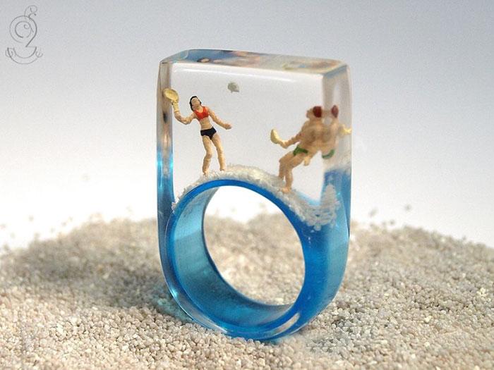 miniature-worlds-inside-jewelry-isabell-kiefhaber-germany-16