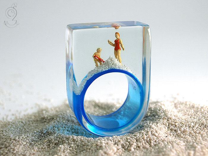 miniature-worlds-inside-jewelry-isabell-kiefhaber-germany-17