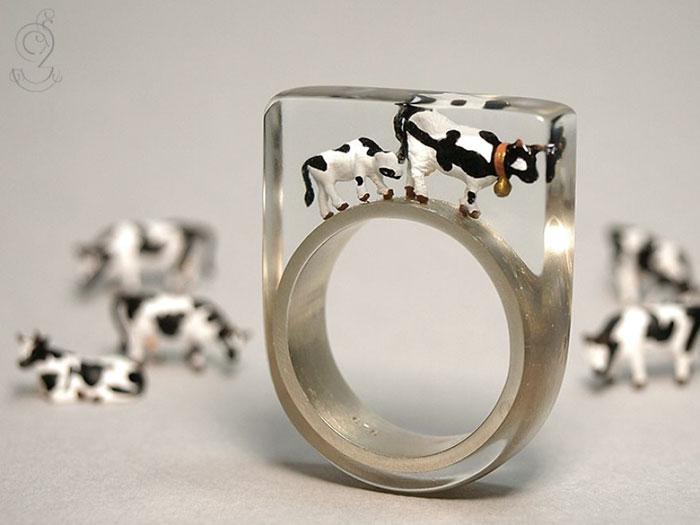 miniature-worlds-inside-jewelry-isabell-kiefhaber-germany-6