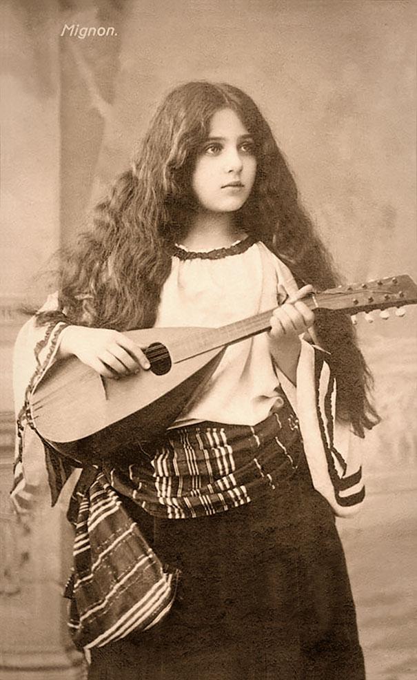 most-beautiful-women-around-the-world-1900-1910-14