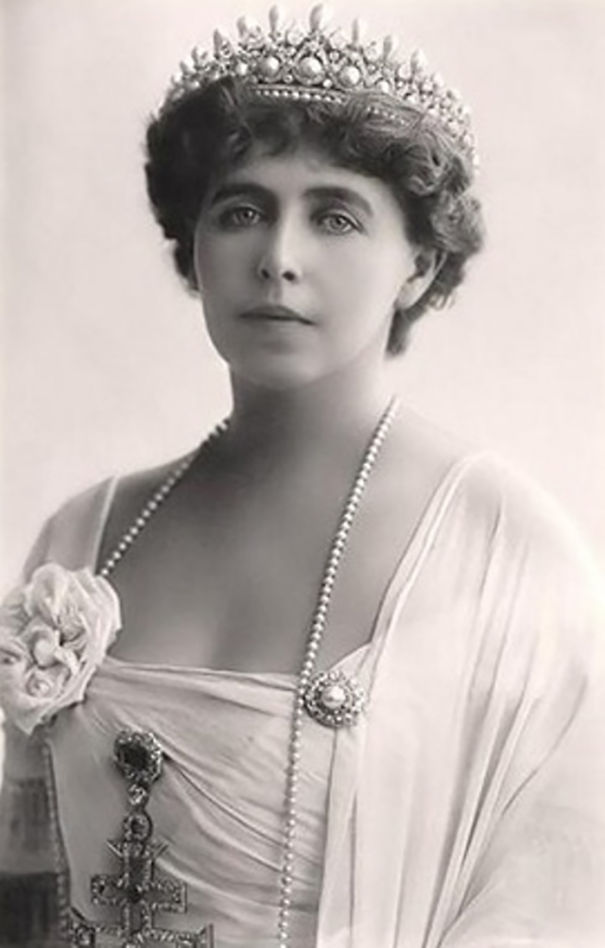 most-beautiful-women-around-the-world-1900-1910-19