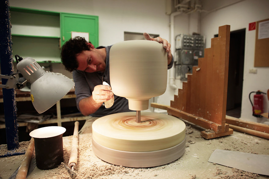 mygdal-plant-lamps-for-windowless-spaces-we-love-eames-1