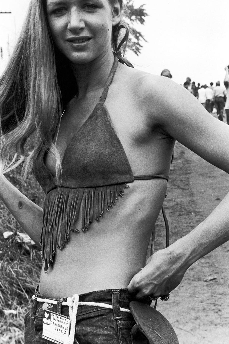 women-fashion-of-60s-woodstock-1969-2