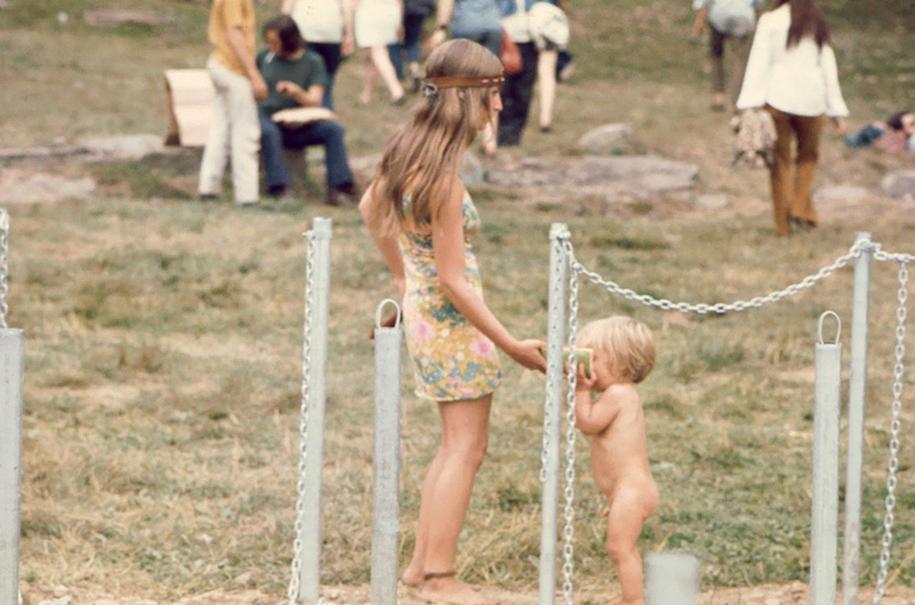 women-fashion-of-60s-woodstock-1969-6
