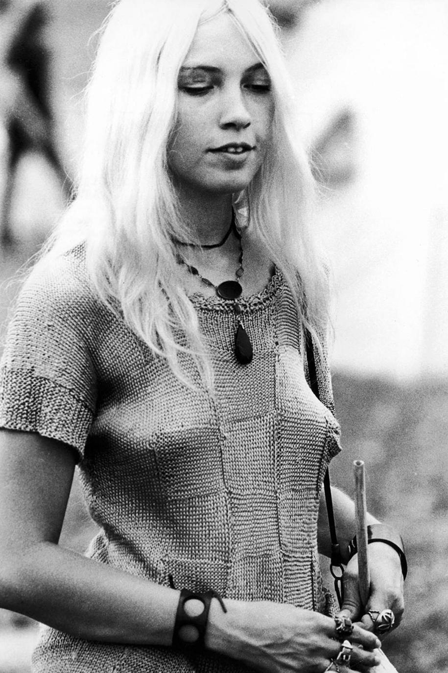 women-fashion-of-60s-woodstock-1969-8