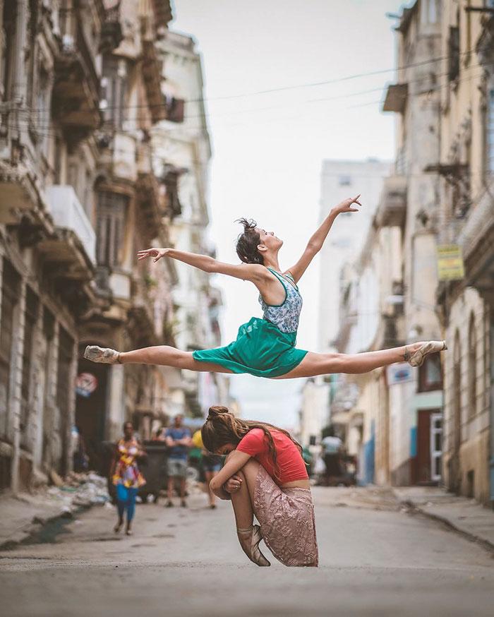 ballet-dancers-practice-on-streets-cuba-omar-robles-7