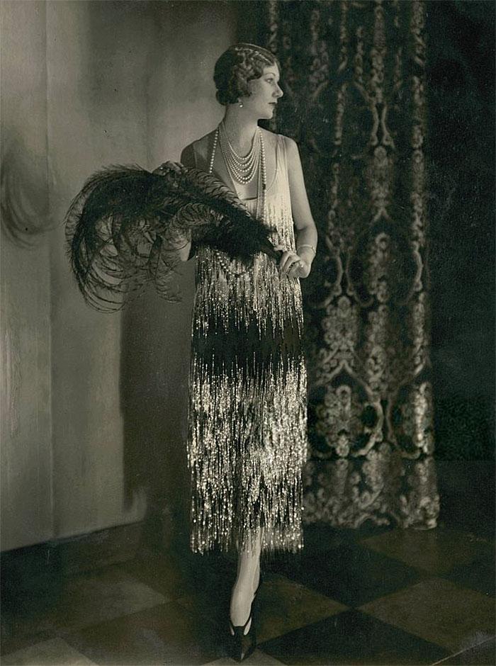 beginning-of-modern-fashion-1920s-women-fashion-10