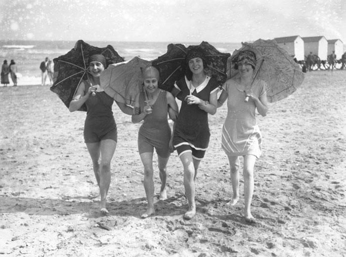 beginning-of-modern-fashion-1920s-women-fashion-12