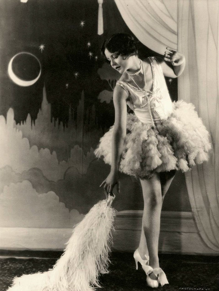 beginning-of-modern-fashion-1920s-women-fashion-2