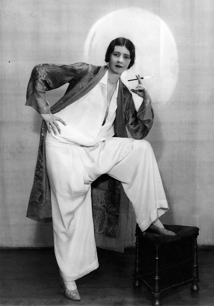 beginning-of-modern-fashion-1920s-women-fashion-8