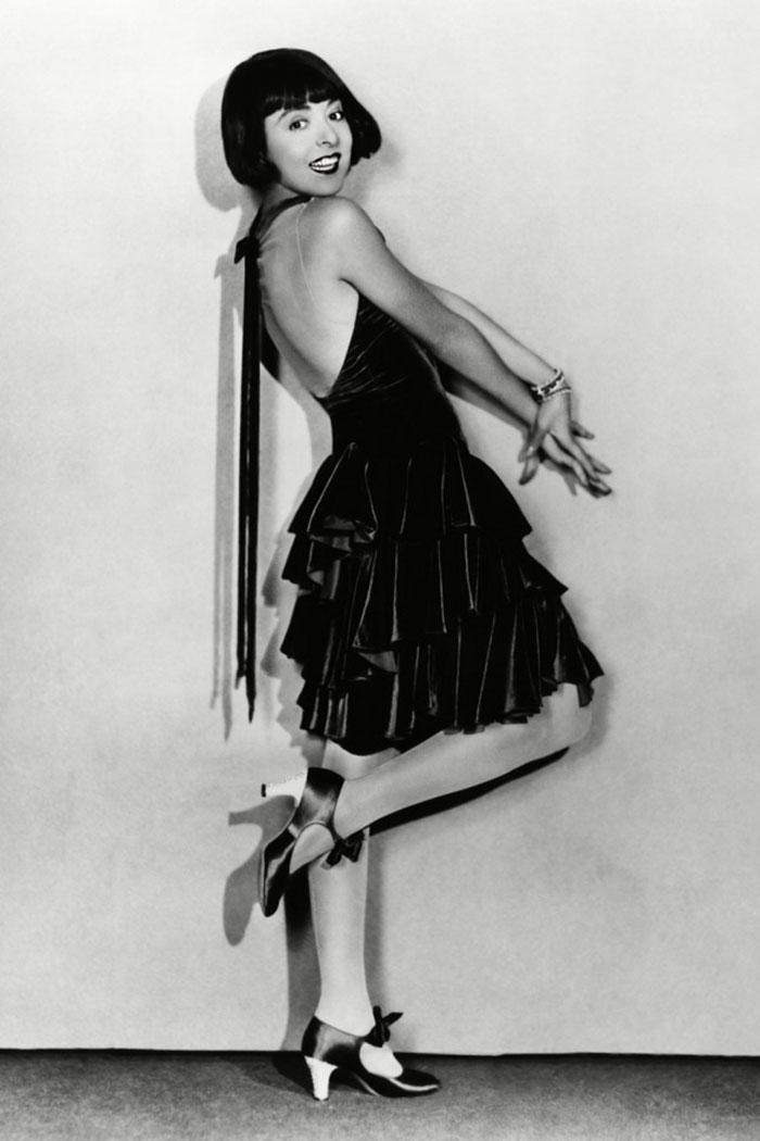 beginning-of-modern-fashion-1920s-women-fashion-9