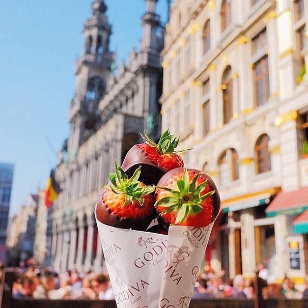 food-around-the-world-desserts-girl-eat-world-30