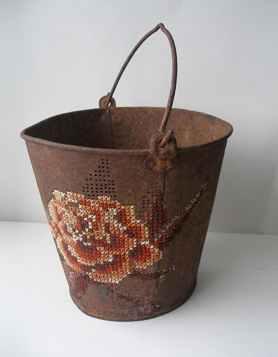 outside-the-box-embroidery-art-16