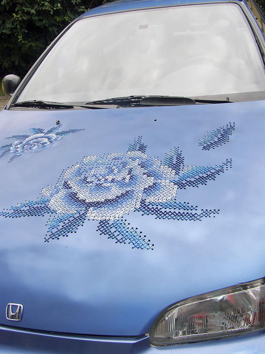 outside-the-box-embroidery-art-17