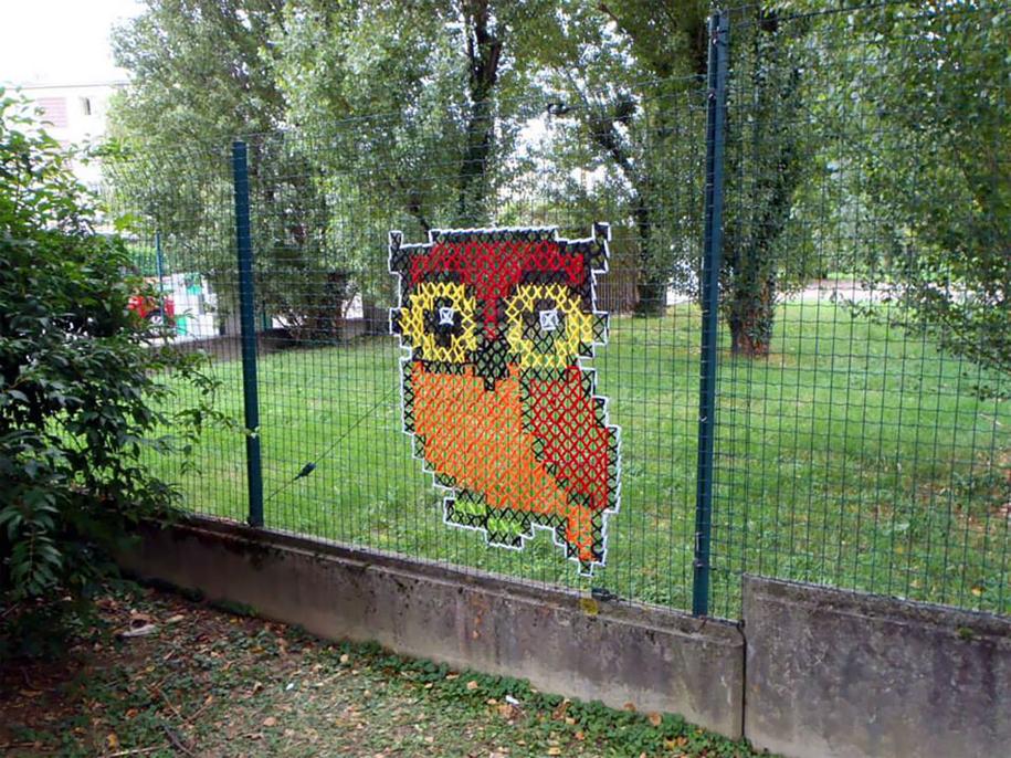 outside-the-box-embroidery-art-41