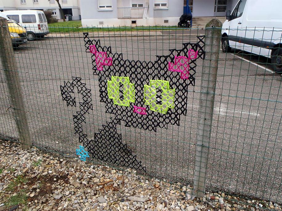outside-the-box-embroidery-art-42