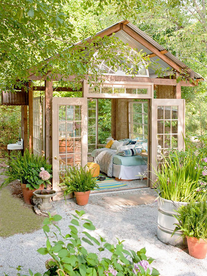 she-sheds-garden-woman-caves-13