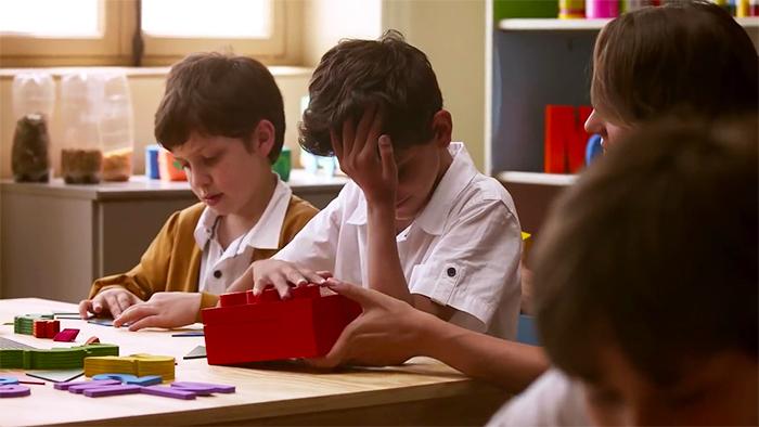 braille-bricks-help-blind-children-learn-literacy-9