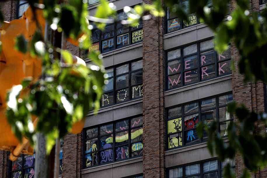 building-post-it-war-sticky-notes-manhattan-nyc-35