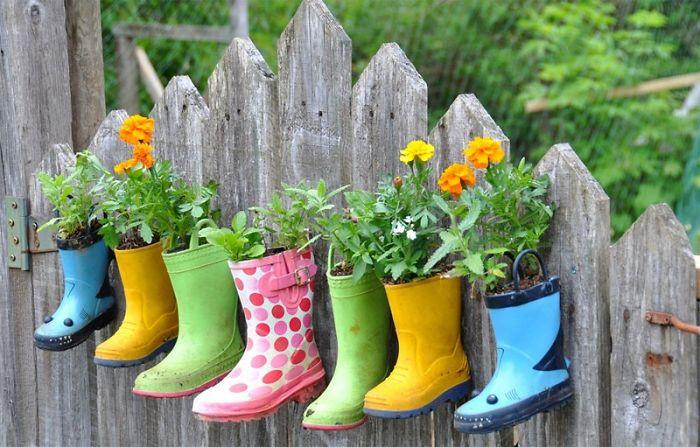 creative-diy-garden-fence-ideas-2