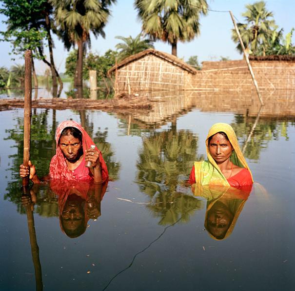 drowning-world-portraits-climate-change-gideon-mendel-14