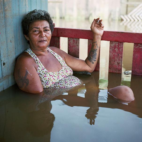 drowning-world-portraits-climate-change-gideon-mendel-2