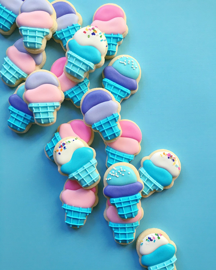graphic-designer-bakes-creative-cookies-holly-fox-design-12