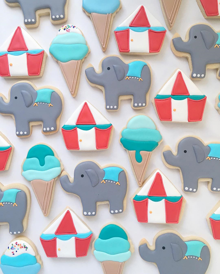 graphic-designer-bakes-creative-cookies-holly-fox-design-3