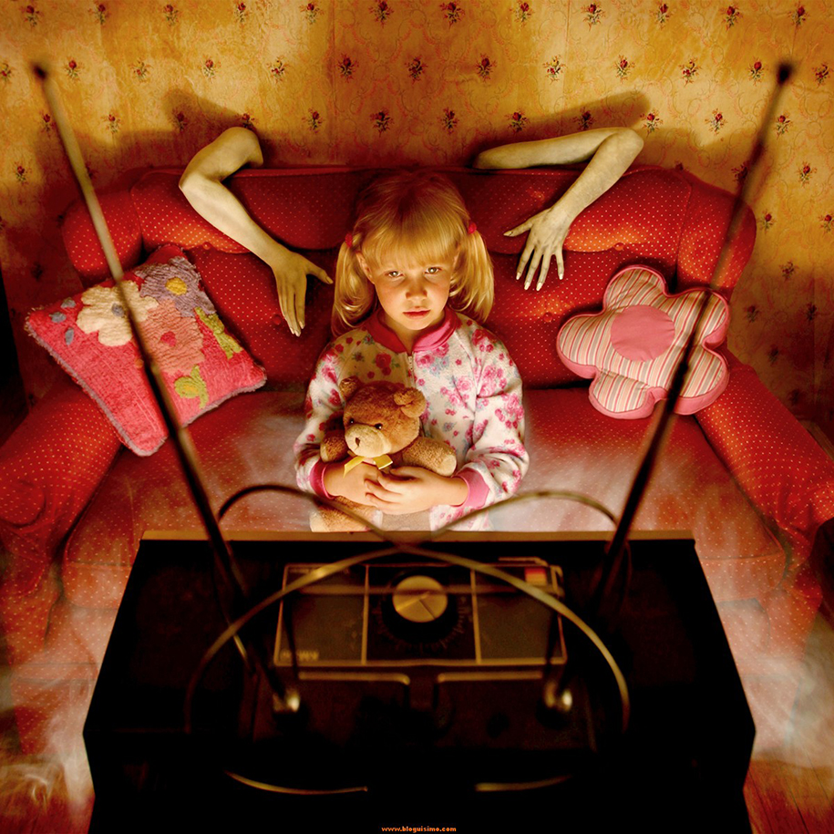 horror-family-photoshoot-creative-children-photography-joshua-hoffine-20