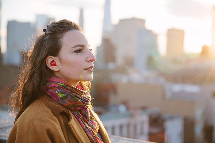 mini-real-time-translator-earpiece-waverly-labs-2