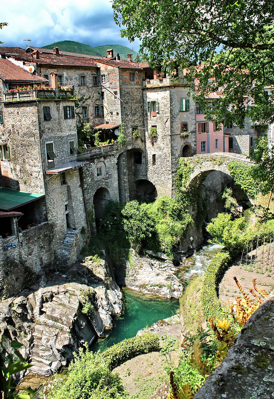 most-beautiful-towns-in-world-fairy-tale-villages-x6