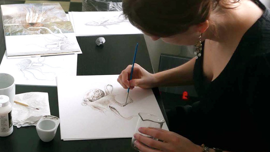 octopus-painting-using-ancient-ink-from-fossil-esther-van-hulsen-1
