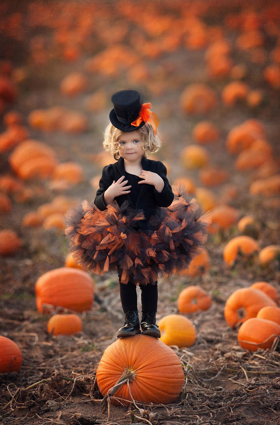 photographer-captures-children-in-costumes-childhood-anna-rozwadowska-4