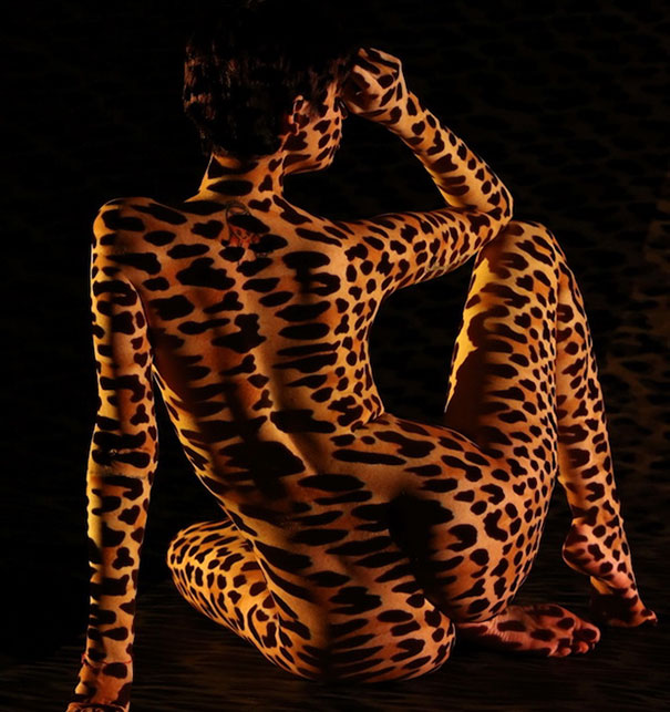women-shadow-portraits-light-patterns-photography-dani-olivier-2