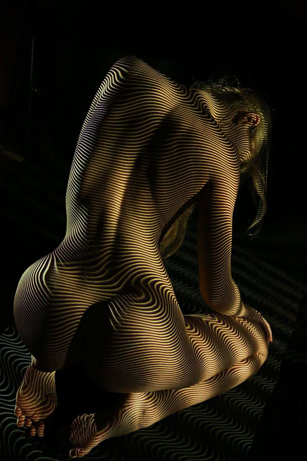 women-shadow-portraits-light-patterns-photography-dani-olivier-8