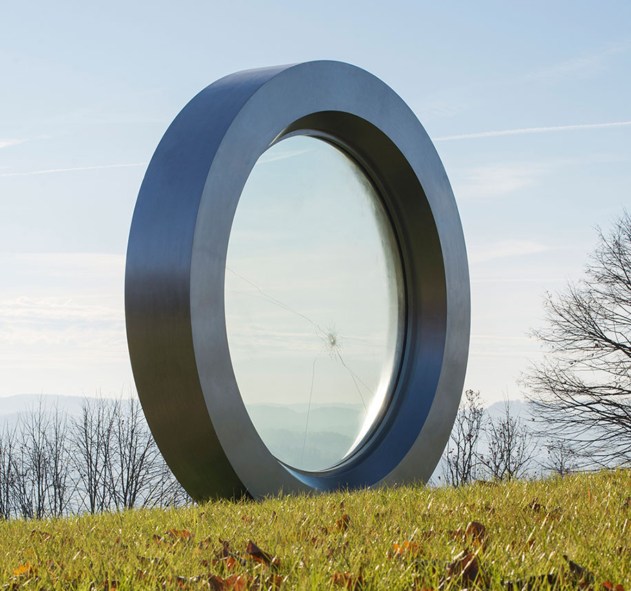 broken-lens-memorial-sculpture-fallen-photographer-gordan-lederer-nfo-9