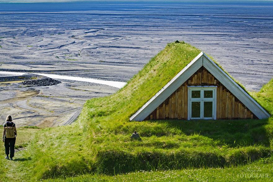 grass-roofs-green-houses-scandinavia-2