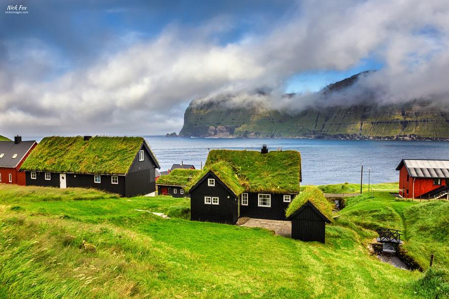 grass-roofs-green-houses-scandinavia-3